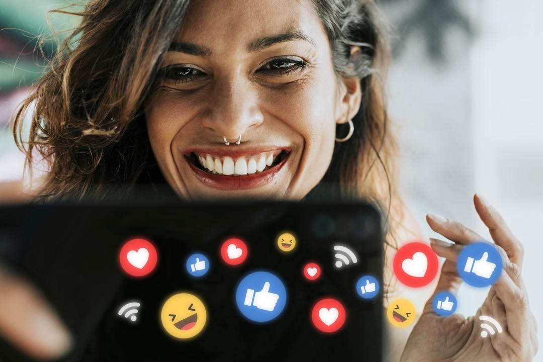 Presença digital dos escritores nas redes sociais